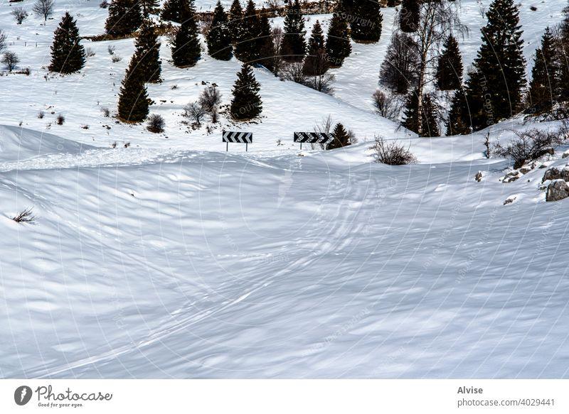 Schilder im Schnee Natur Landschaft Berge u. Gebirge Alpen Italien reisen Tourismus Winter Himmel Ansicht Gipfel Urlaub alpin weiß im Freien Sport Europa Ski