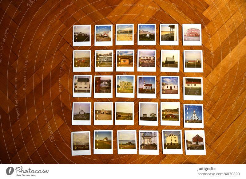 30 Polaroids mit isländischen Häusern auf Parkettboden Fotoserie Auswahl Haus Architektur wohnen Island Kirche Farbfoto Gebäude Häusliches Leben Hütte