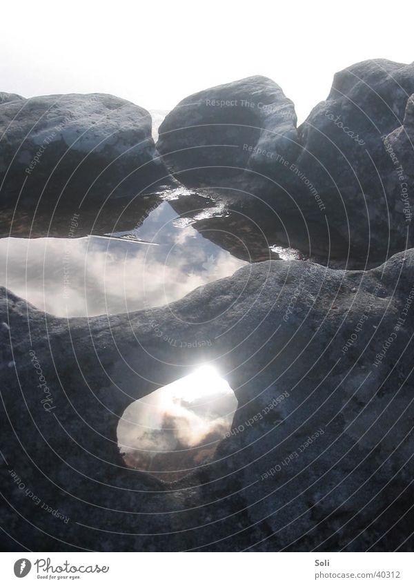 Nebelwasser auf dem Tafelberg Pfütze Südafrika Wasser Felsen Stein Reflektion