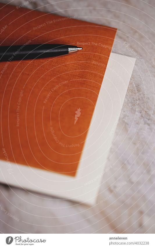 Stift und Papiere als Büromaterial authentisch blanko Buch Business filmisch Nahaufnahme copyspace Design Tagebuch Schriftstück Bildung leer vereinzelt Brief