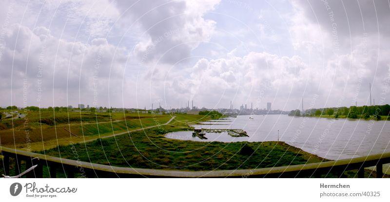 A1 Leverkusen Wolken Panorama (Aussicht) Wasser Fluss Industriefotografie Skyline Graffiti groß Panorama (Bildformat)