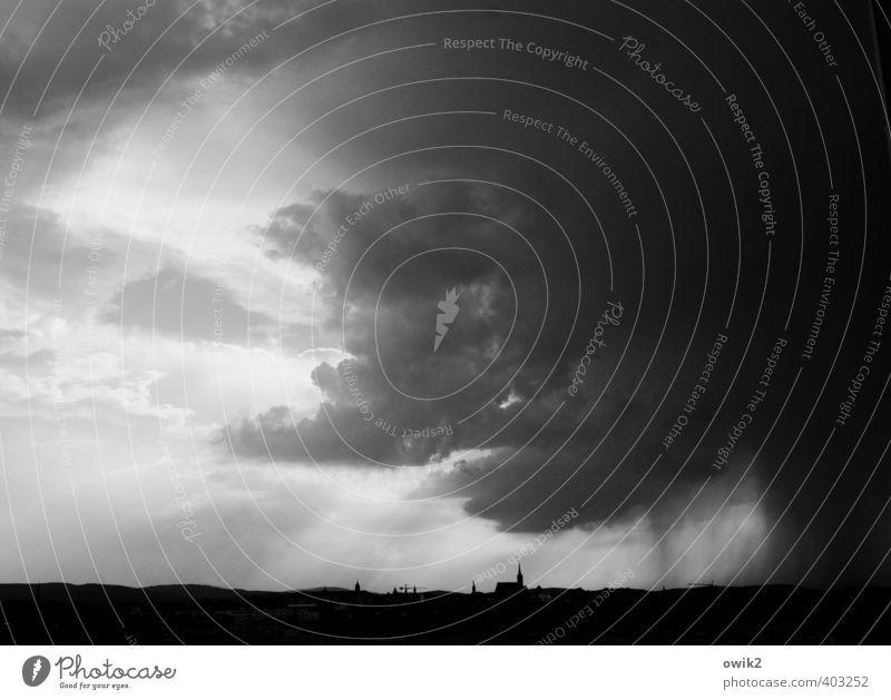 Dunkles Gewölk Himmel Gewitterwolken Horizont Klima Wetter schlechtes Wetter Regen Bautzen Deutschland Stadtzentrum Skyline Haus Kirche Dom Bauwerk Gebäude
