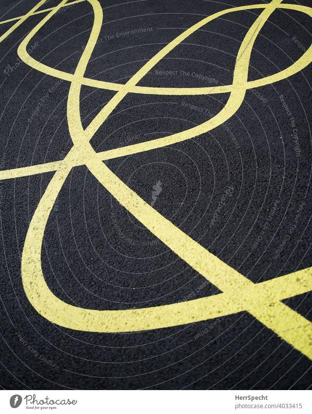 Chaotische Linienführung Straßenbelag Verkehrswege Menschenleer Außenaufnahme Teer Schilder & Markierungen Fahrbahnmarkierung Farbfoto Chaos gelb chaotisch