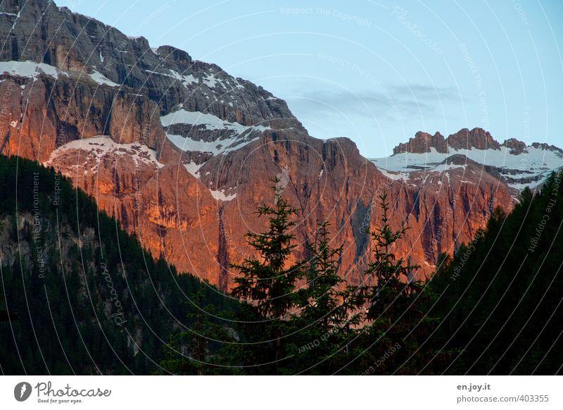 Dolomitenglühn Himmel Natur Ferien & Urlaub & Reisen blau Baum Landschaft Umwelt Berge u. Gebirge Felsen orange Wetter Klima Tourismus leuchten Abenteuer Gipfel