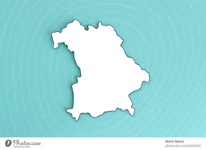 Bundesland Bayern als Papier-Silhouette neutral Umriss Design minimalistisch Hintergrundbild Strukturen & Formen Hintergrund neutral Papierschnitt weiß Land