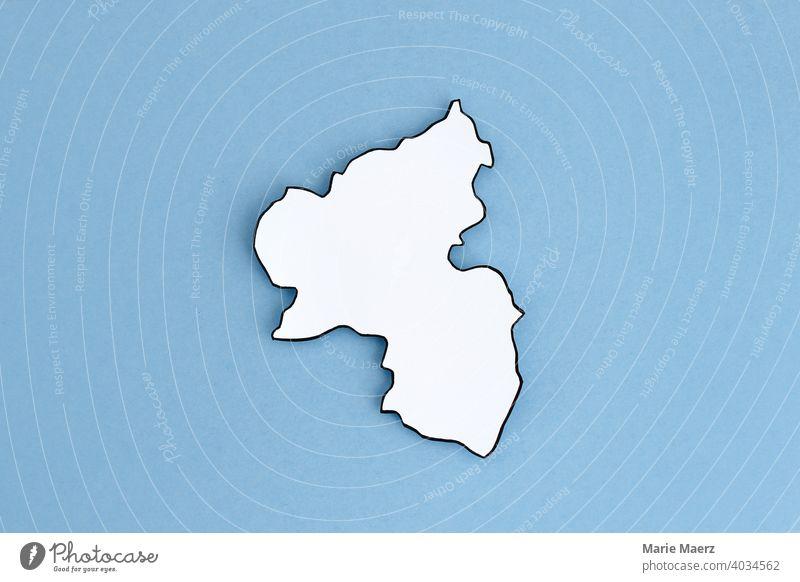 Bundesland Rheinland-Pfalz als Papier-Silhouette Strukturen & Formen Hintergrundbild Grafik u. Illustration Hintergrund neutral minimalistisch Karte