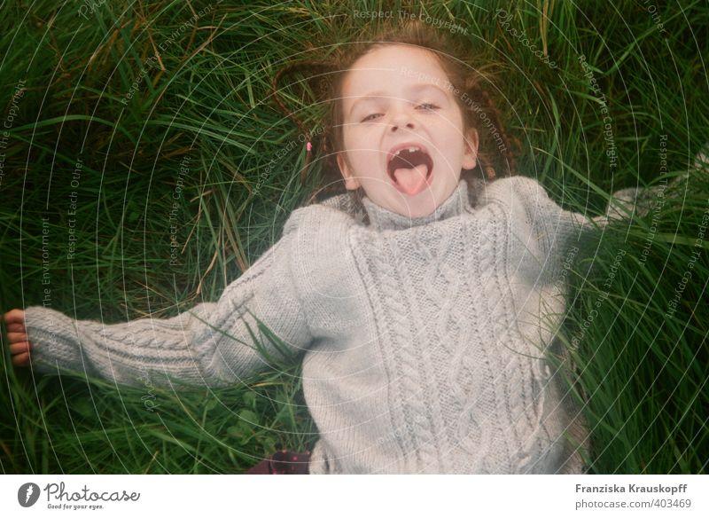 Zahnlücke Gesundheit Spielen Kinderspiel Ferien & Urlaub & Reisen Kindererziehung Schulkind Mädchen 1 Mensch 3-8 Jahre Kindheit Natur Landschaft Pflanze Erde