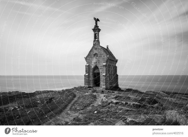 Ilot Saint Michel alt Meer Haus Gefühle Architektur Treppe Kirche Turm Bauwerk Denkmal Tor Wahrzeichen Sehenswürdigkeit Bretagne Kapelle Fischerdorf