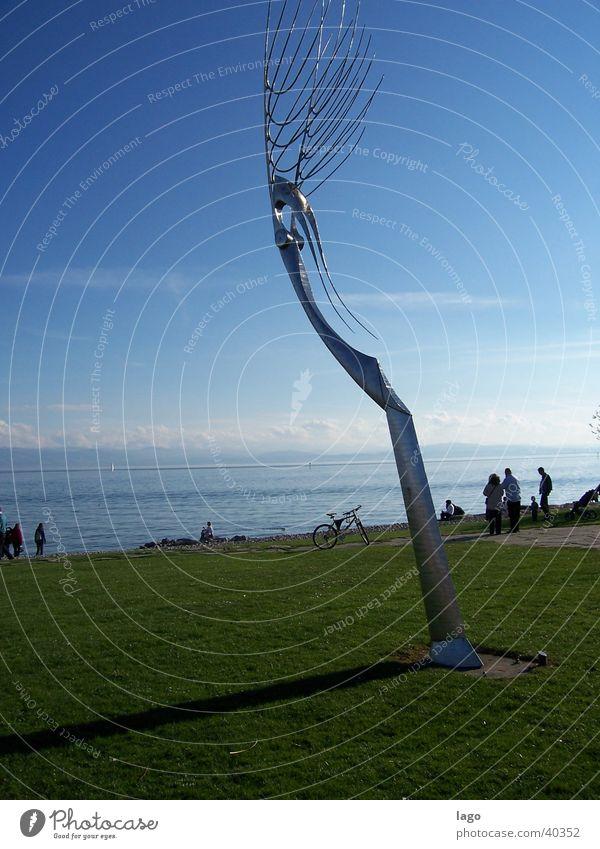 Sommertag Friedrichshafen Skulptur Kunst See Wiese Ferien & Urlaub & Reisen Bodensee Sonne Schatten Farbe