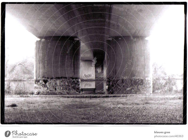 tolle Aussicht Licht harmonisch Nebel Brücke Bank Perspektive Architektur