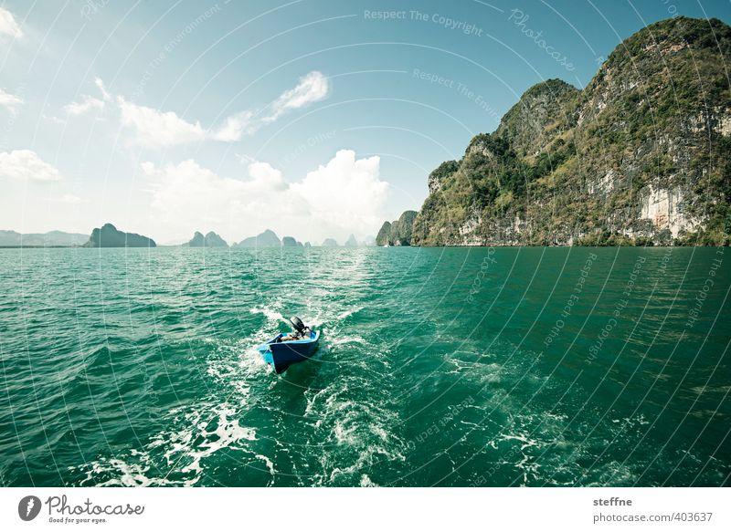 Verfolgungsjagd Himmel Ferien & Urlaub & Reisen Wasser Meer Berge u. Gebirge Wasserfahrzeug Wellen Tourismus Insel Schönes Wetter Ausflug Thailand Bootsfahrt
