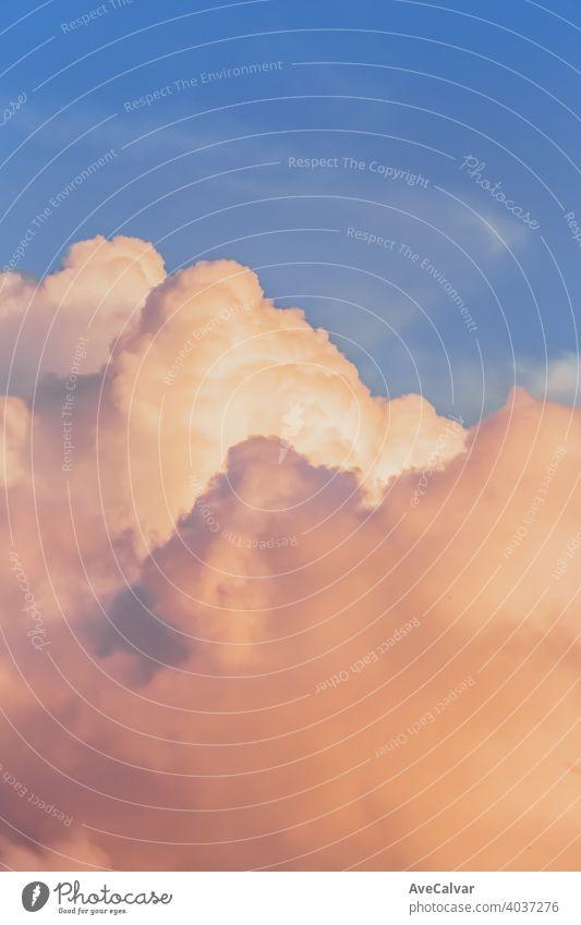Bunte Pastell getönten Wolken Hintergrund Cloud Himmel Farbe blau hell abstrakt schön weiß Licht wolkig Textur Natur farbenfroh Wolkenlandschaft