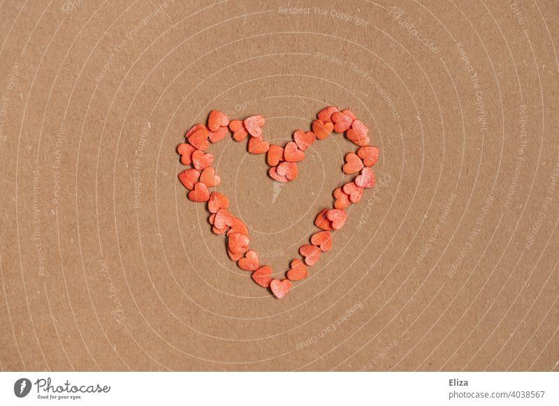Herz aus kleinen roten Herzen Dekoration Liebe verliebt Strich Valentinstag herzförmig Romantik Verliebtheit Liebesgruß Muttertag Liebesbekundung Symbol