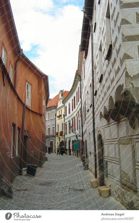 Gasse in Krumlov alt Stadt Haus Straße Wand Europa Dorf Verkehrswege eng Pflastersteine Gasse schmal Altstadt Tschechien