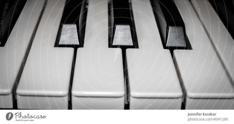 Klavier Schwarzweißfoto Musik monochromatisch Keyboard