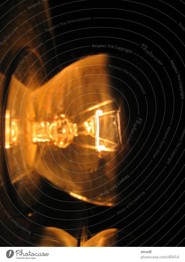 Lamp in Ion dunkel Lampe hell Elektrizität Häusliches Leben leuchten durchsichtig erleuchten Glühbirne
