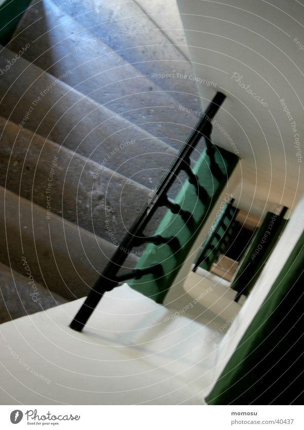 abwärts alt Treppe historisch Leiter Treppenhaus