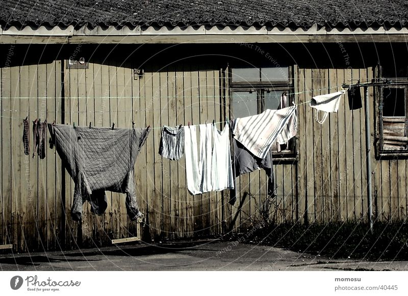 Barackenidylle Architektur Armut sozial Wäscheleine Holzhütte