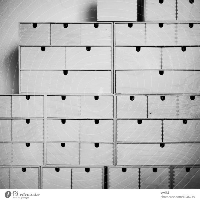 Ordnungsamt Behälter u. Gefäße Schublade Stapel Holz viele Zusammensein fest Innenaufnahme Muster Strukturen & Formen Menschenleer Detailaufnahme Totale