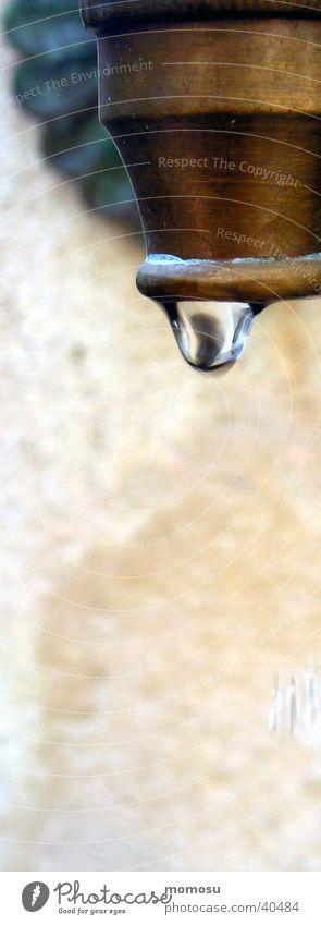 stillstand Wassertropfen nass Häusliches Leben stagnierend Wasserhahn