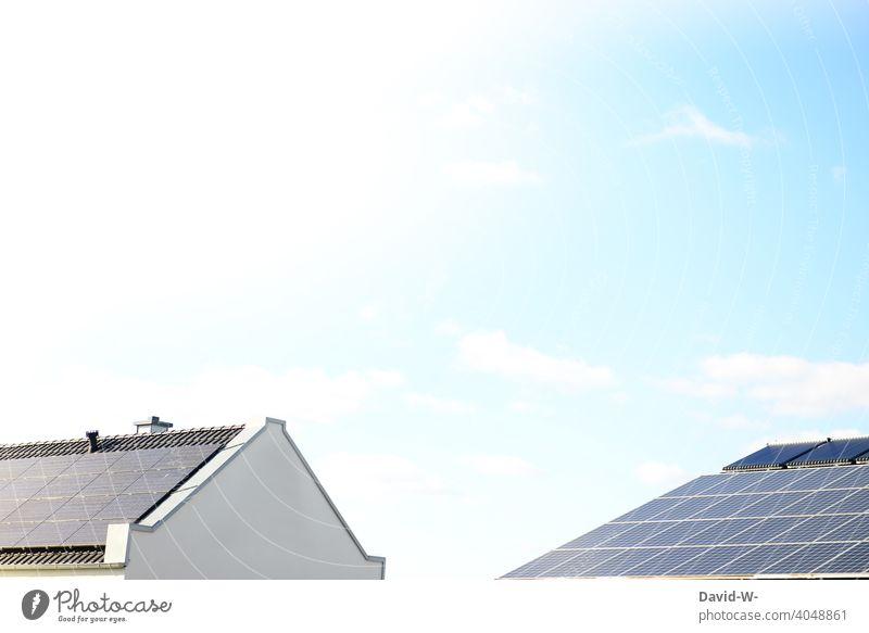 Dächer produzieren Solarenergie Erneuerbare Energie Photovoltaik Klima wärmequelle enegiesparen umweltbewusst fotovoltaikanlage sonnenenergie Technologie