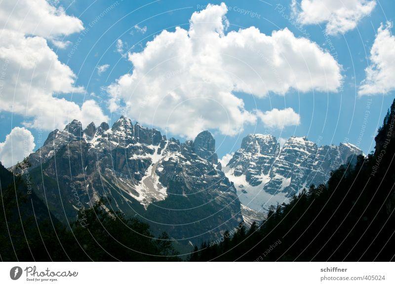 Hochform Umwelt Natur Landschaft Himmel Wolken Schönes Wetter Baum Wald Felsen Alpen Berge u. Gebirge Gipfel Schneebedeckte Gipfel Gletscher hoch steil Felswand
