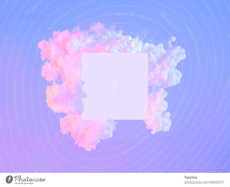 Weißes Quadrat in Neonwolken, Kopierraum. Abstrakt neonfarbig Textfreiraum violett rosa purpur Rahmen weiß Wolken kreativ leer abstrakt Hintergrund Cyberpunk