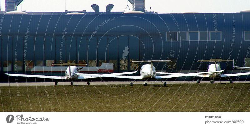 Drillinge Flugzeug Luftverkehr Flughafen