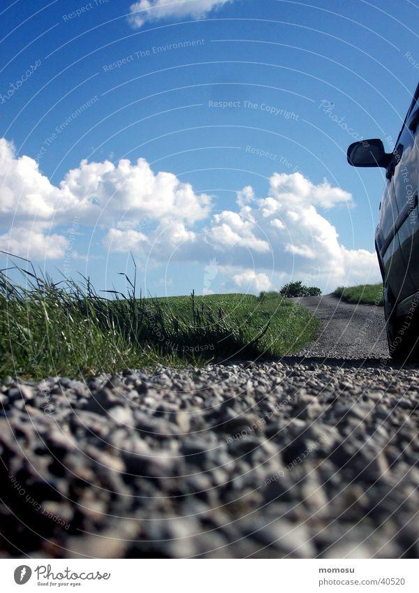 on the road again Feld Wolken Frühling Verkehr Straße Wege & Pfade Himmel Ferne Perspektive