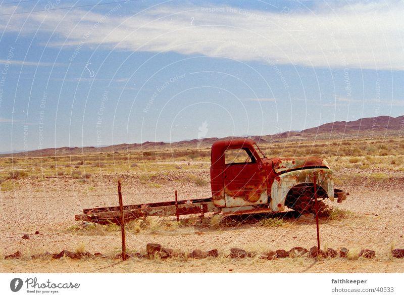 road truck Afrika Wolken Wüste Lastwagen Blauer Himmel Landschaft