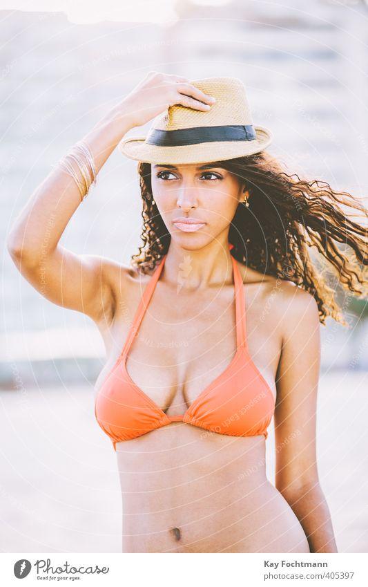 ° Lifestyle Stil schön Haare & Frisuren sportlich Ferien & Urlaub & Reisen Sommer Sommerurlaub Strand Meer feminin Junge Frau Jugendliche Leben 1 Mensch