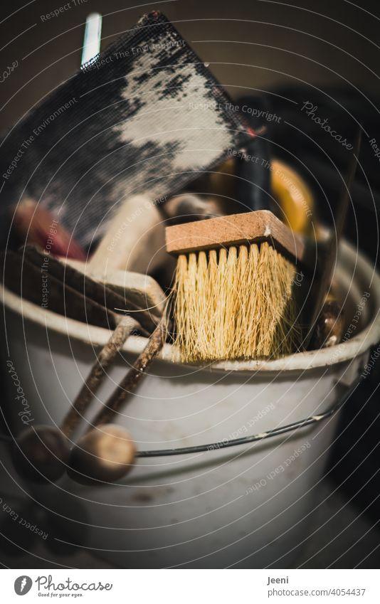 Wichtige Utensilien des Heimwerkers zum Renovieren und Malen | Quast, Spachtel, Reibebrett, Handschleifer und Co. renovierung utensilien malen Maler malern Haus