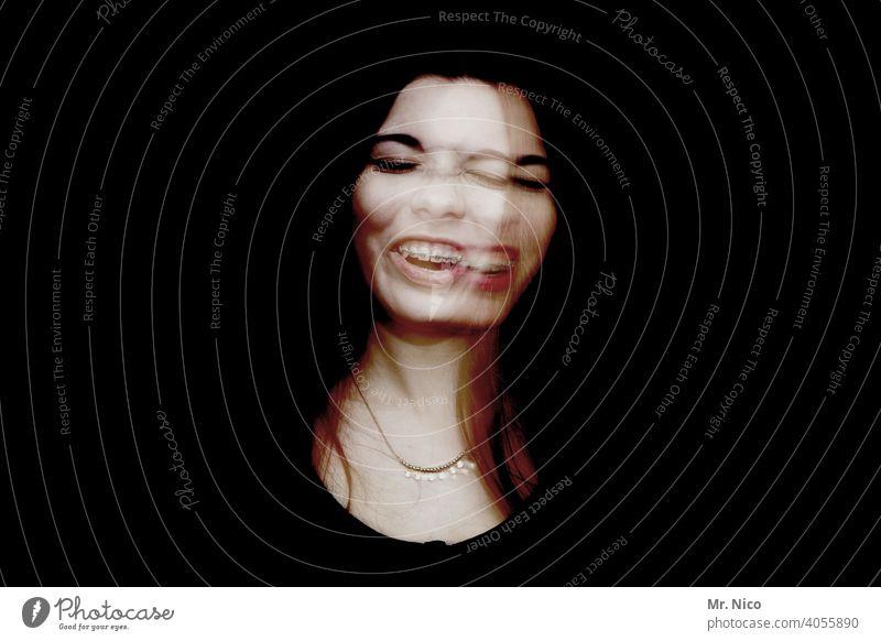 Zerissenheit Wahnsinn Doppelbelichtung abstrakt Experiment Porträt außergewöhnlich skurril Wahnvorstellung Schizophrenie Phantasie Gesicht Kontrast Alptraum
