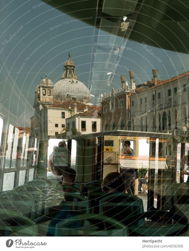 Spiegelungen im Vaporetto III Venedig Italien Altstadt Sehenswürdigkeit Wasser Gebäude Ferien & Urlaub & Reisen Architektur Kanal Tourismus historisch