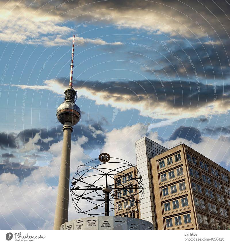 Berlin | Alexanderplatz Weltzeituhr Fernsehturm Berliner Fernsehturm Wahrzeichen Himmel Turm Hauptstadt Architektur Sehenswürdigkeit Berlin-Mitte Stadtzentrum
