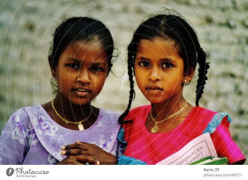 Malediven - Schulmädchen Kind Mädchen Ferien & Urlaub & Reisen Afrika Schule Zopf Bildung einheimisch