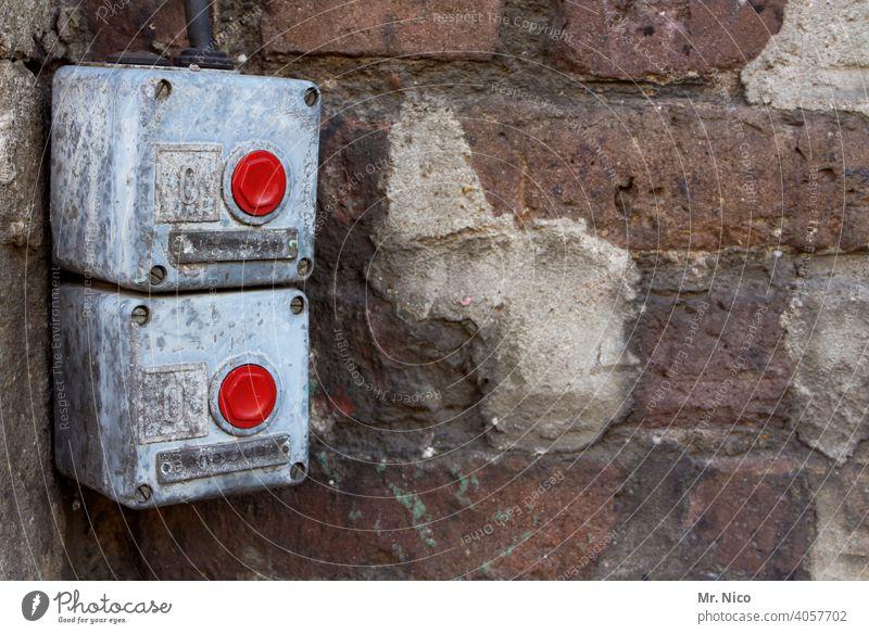 Schalter Sicherheit push the button drücken ausschalten mechanisch Hauptschalter Elektrisches Gerät Technik & Technologie betätigungselement Industrie Stop