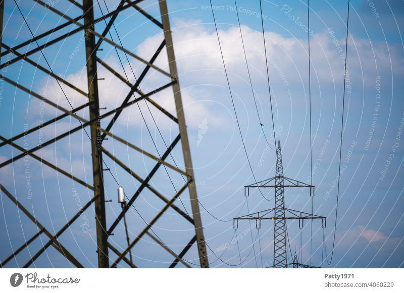 Hochspannungsleitung und Strommasten Elektrizität Energiewirtschaft Leitung Technik & Technologie Himmel Außenaufnahme Industrie Kabel Stromtransport