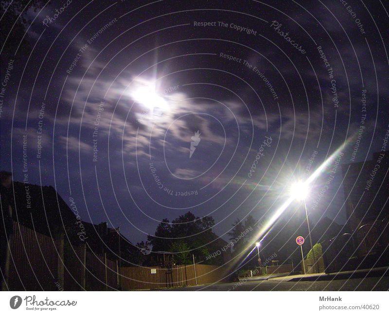 Moonlight Reflections Wolken Straße dunkel bedecken Mondschein