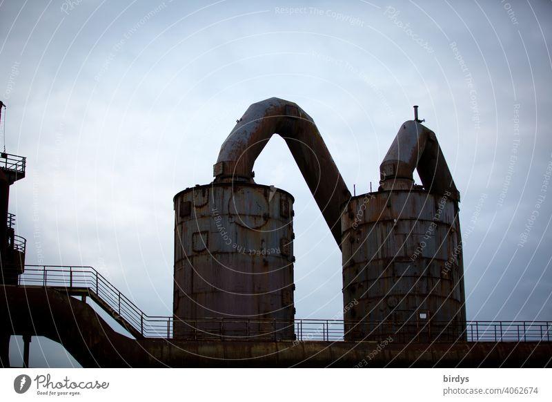 Stahlwerk, Zeche , Hochöfen mit Abgasrohren . Stahlgewinnung Industrie Industriekultur Kokerei Industrieanlage verhüttung Schwerindustrie Industriearchitektur