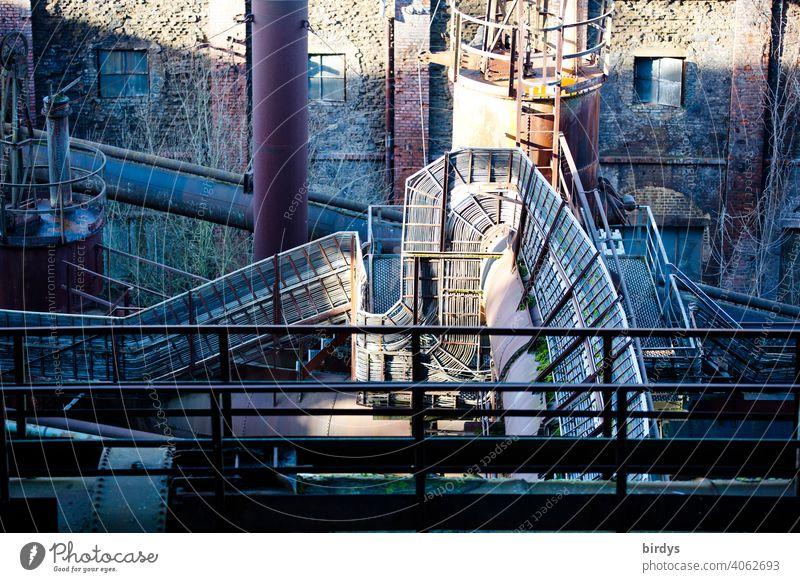 Stahlwerk, Zeche , Industriedenkmal Völklinger Hütte, Kabelleitungen, Industrieanlage Industriekultur Stahlgewinnung Kokerei Völklingen historisch verhüttung