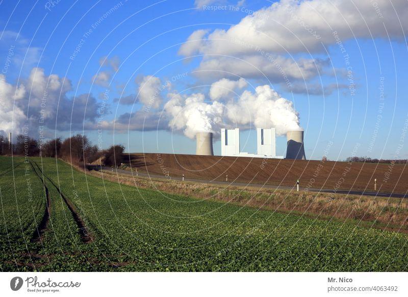 Kraftwerk Kühlturm Umweltverschmutzung Klima Klimawandel Kohlekraftwerk Schornstein Umweltschutz Industrieanlage CO2-Ausstoß Emission Arbeit & Erwerbstätigkeit