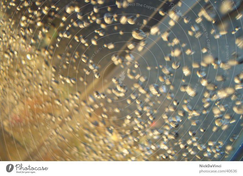 Bläschenrennen Wassersäule Makroaufnahme Nahaufnahme Blase Wasserspiel
