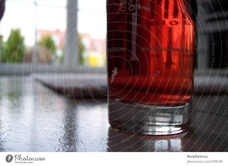 Einsames Glas auf weiter Flur ;-) Getränk rot Alkohol Flüssigkeit