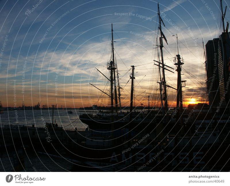 Sonnenuntergang in NYC Wasserfahrzeug New York City Vancouver Hafen Schatten Abend
