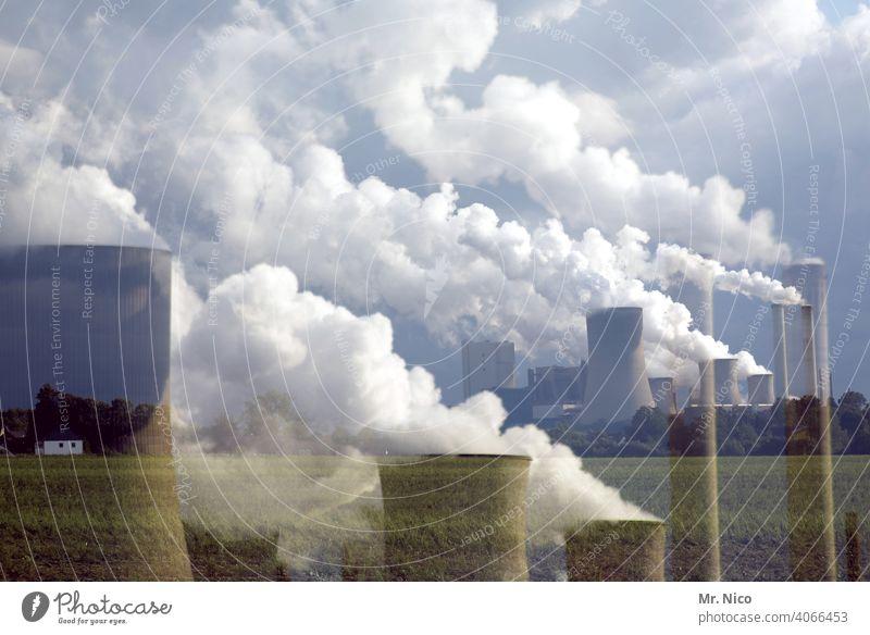 Kraftwerk Energiewirtschaft Fabrik Industrie Kohlekraftwerk Klimawandel Rauch Wasserdampf Umweltverschmutzung Kühlturm Schornstein Umweltschutz