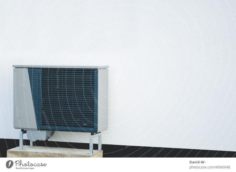 Luftwärmepumpe - zukunftsorientierte Heiztechnik - erneurbare Energien Wohnhaus Wärmegewinnung Erneuerbare Energie nachhaltig Luft-Wasser-Wärmepumpe