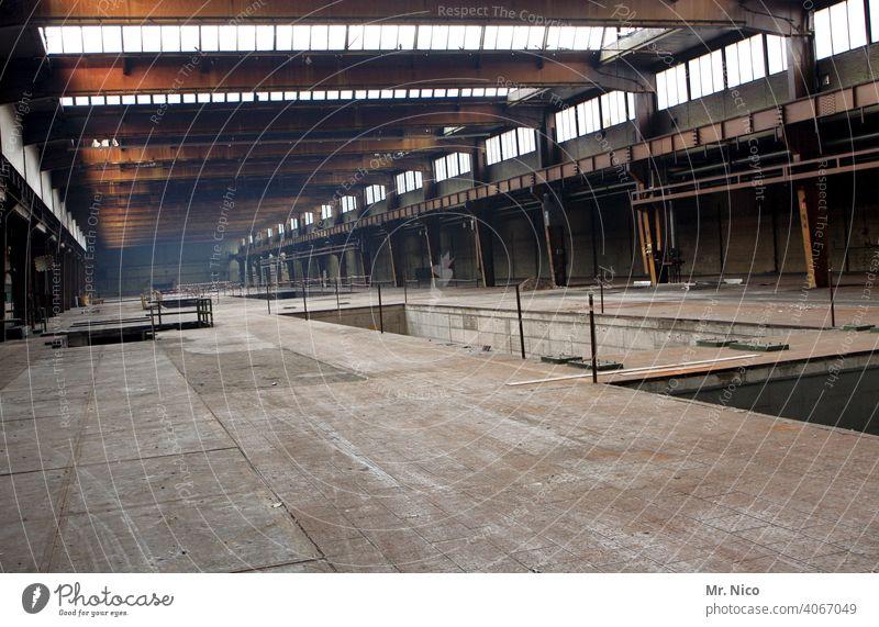Fabrikhalle Bauwerk Werkhalle Industrieanlage Produktionsstätte produktionshalle Industriekultur Stahlwerk Lager Abrissgebäude Industrieruine Lagerplatz