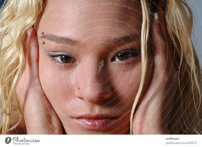 Babe Frau Mädchen schön Gesicht Auge blond Lippen