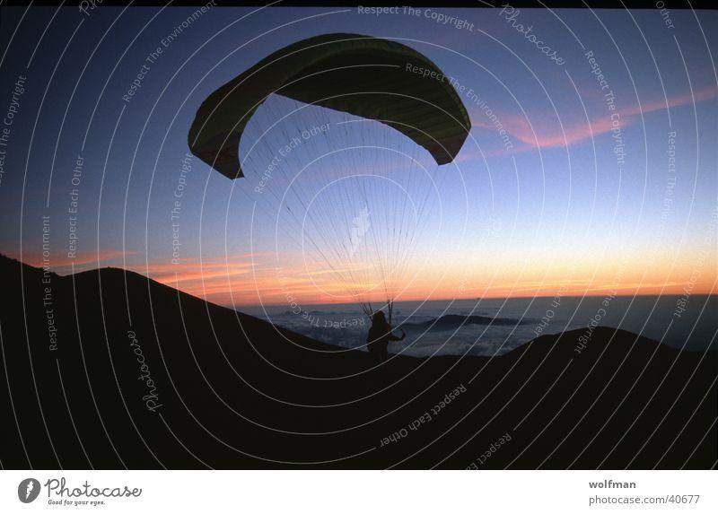 Sillhouette Gleitschirmfliegen Hawaii Extremsport